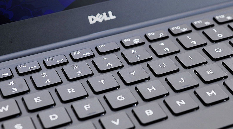 Гравировка на клавиатуре ноутбука DELL